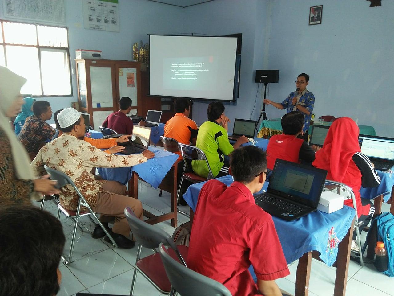 pelatihan admin website desa